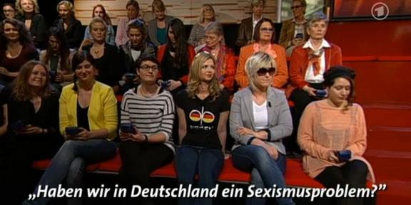 Cliparts_TV_Menschen_bei_Maischberger_288_002
