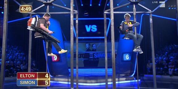 Elton_vs_Simon_Laubsaugerspiel_288