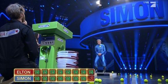Elton_vs_Simon_Tennis2_288